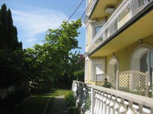 Rosen Villa Hévíz, Apartmány  Hévíz - big - 21