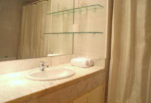 Apartments Soleil Tossa 4, Apartments  Tossa de Mar - big - 36