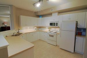Discovery Bay Resort by kelownacondorentals, Apartments  Kelowna - big - 69