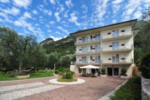 Hotel Garnì Orchidea, Отели  Мальчезине - big - 27