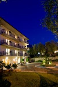 Hotel Garnì Orchidea, Отели  Мальчезине - big - 24