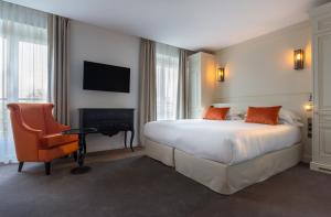 Double Room Duchesse - Eiffel Tower Side View