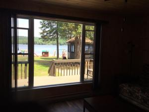Cloverleaf Cottages, Case vacanze  Oxtongue Lake - big - 75