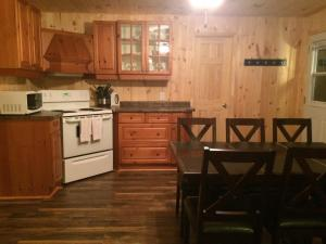 Cloverleaf Cottages, Case vacanze  Oxtongue Lake - big - 47