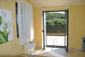 Holiday Home Iris, Prázdninové domy  Lustica - big - 39