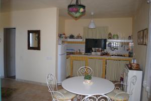Holiday Home Iris, Prázdninové domy  Lustica - big - 9