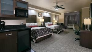 Best Western Premier Crown Chase Inn & Suites, Отели  Denton - big - 7