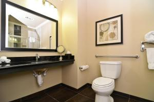 Best Western Premier Crown Chase Inn & Suites, Отели  Denton - big - 32
