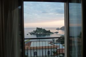Mazzarò Isola Bella - AbcAlberghi.com