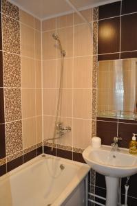 Apartament na 8-e Marta 4, Apartmanok  Tastagol - big - 10