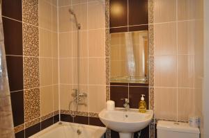 Apartament na 8-e Marta 4, Apartmanok  Tastagol - big - 8