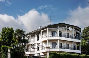 Hotel Lido La Perla Nera - AbcAlberghi.com