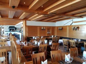 Hotel Vorab, Hotely  Flims - big - 38