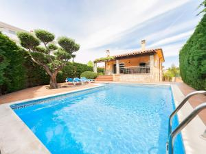 Holiday Home Eva, Holiday homes  L'Escala - big - 2