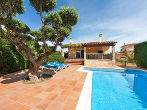 Holiday Home Eva, Holiday homes  L'Escala - big - 13