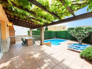 Holiday Home Eva, Holiday homes  L'Escala - big - 5