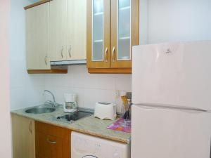 Apartment Paola 01, Apartments  Calpe - big - 2