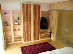 Apartment Am Kurpark.1, Апартаменты  Вена - big - 5