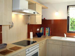 Holiday Home Romanguis, Ferienhäuser  Cavaillon - big - 12