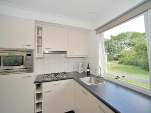 Holiday Home Brouwersdam.5, Holiday homes  Ouddorp - big - 5