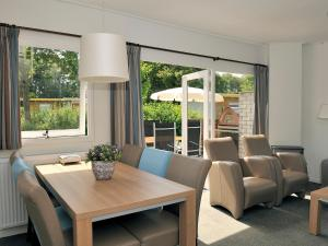 Holiday Home Brouwersdam.5, Holiday homes  Ouddorp - big - 6