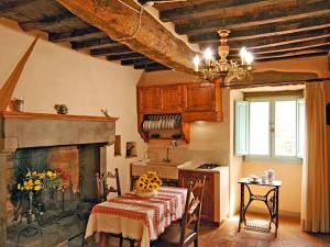 Locazione turistica Rosa, Apartments  San Clemente in Valle - big - 9
