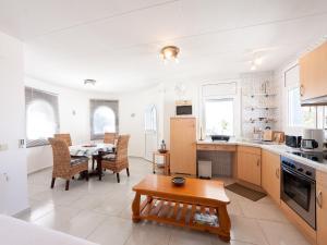 Apartment ebre 47B, Appartamenti  Empuriabrava - big - 8
