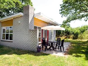 Holiday Home Middelharnis.1, Holiday homes  Ouddorp - big - 2