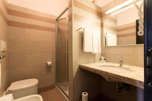 Easy Space, Aparthotely  Bientina - big - 10