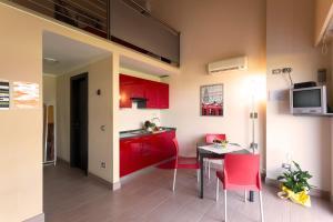 Easy Space, Aparthotely  Bientina - big - 5