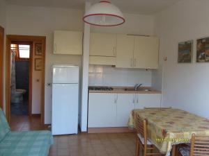Locazione turistica Roberta.4, Apartments  Marina di Bibbona - big - 8