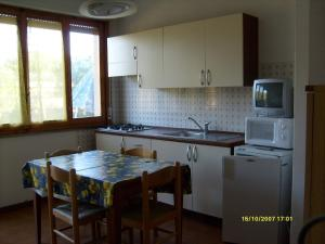 Locazione turistica Roberta.4, Apartmanok  Marina di Bibbona - big - 3