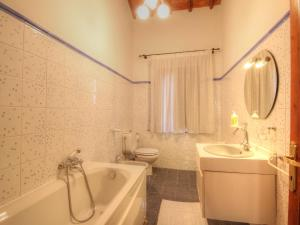Locazione turistica Sesta.4, Apartments  San Gusmè - big - 8
