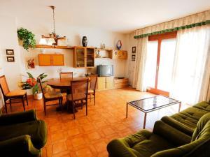 Apartment Voramar 01, Apartmány  L'Ampolla - big - 15
