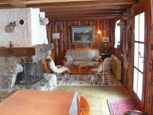 Chalet Chalet Val Rose, Дома для отпуска  Arveyes - big - 3