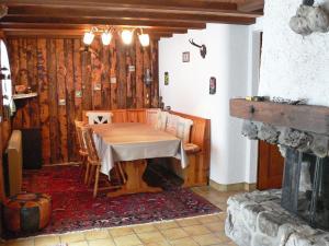 Chalet Chalet Val Rose, Дома для отпуска  Arveyes - big - 11