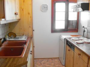 Chalet Chalet Val Rose, Дома для отпуска  Arveyes - big - 6