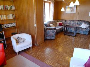 Chalet Riant Soleil, Holiday homes  Arveyes - big - 7