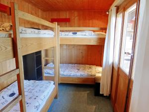 Chalet Riant Soleil, Дома для отпуска  Arveyes - big - 39