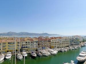 Apartment Club Nàutic.2, Apartments  Empuriabrava - big - 6