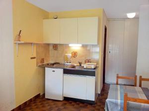 Apartment Mykonos.1, Апартаменты  Пор-Лекат - big - 4