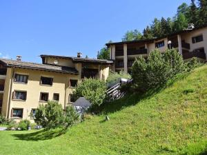 Apartment 14-1, Appartamenti  Surlej - big - 12