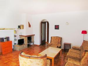Apartment Sant Carles, Apartments  Llança - big - 5
