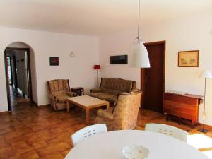 Apartment Sant Carles, Apartments  Llança - big - 6