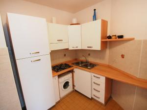 Locazione turistica Due Torri.2, Apartments  Lignano Sabbiadoro - big - 2