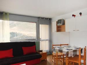 Apartment Les Asters.26, Apartments  Les Menuires - big - 5