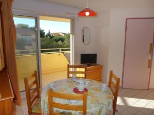 Apartment Les Cigalines, Apartmanok  Narbonne-Plage - big - 7