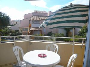 Apartment Les Cigalines, Apartmány  Narbonne-Plage - big - 3