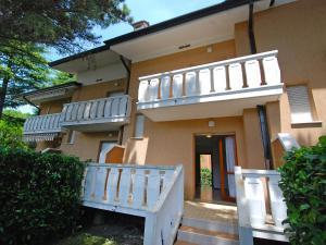 Locazione turistica Villa del Silenzio.2, Dovolenkové domy  Lignano Sabbiadoro - big - 13
