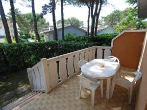 Locazione turistica Villa del Silenzio.2, Dovolenkové domy  Lignano Sabbiadoro - big - 6